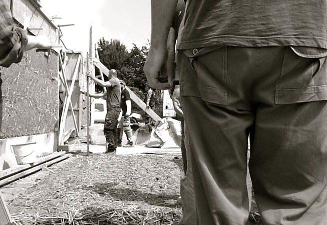 chantier participatif 1 st germain sur ille atelier de maçonnerie