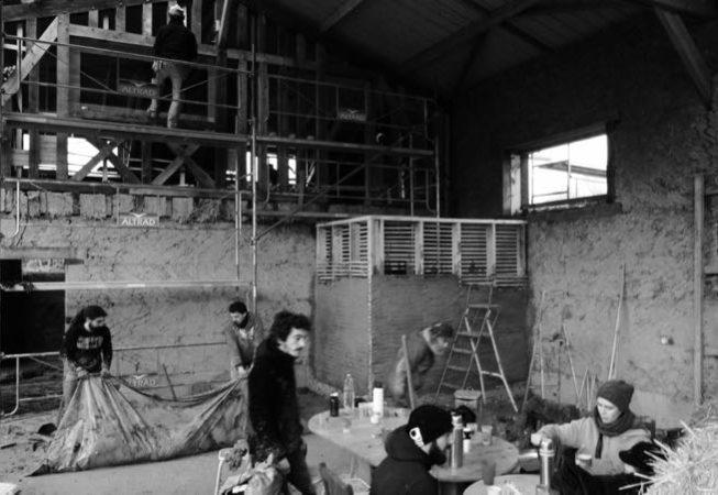 2017 février chantier participatif torchis1