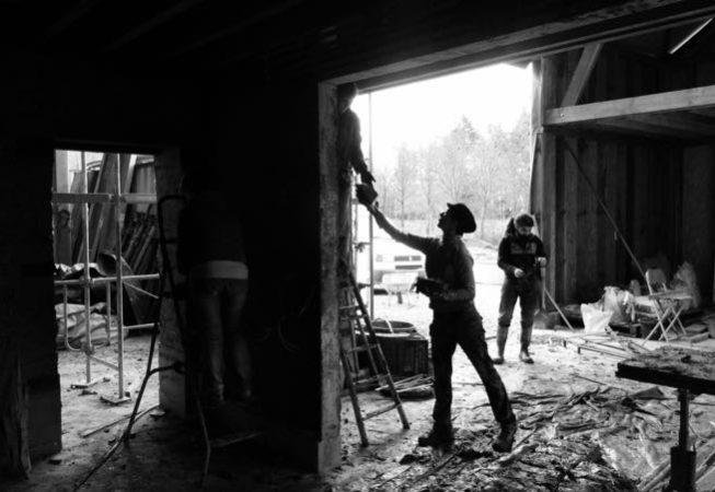 2017 février chantier participatif torchis3